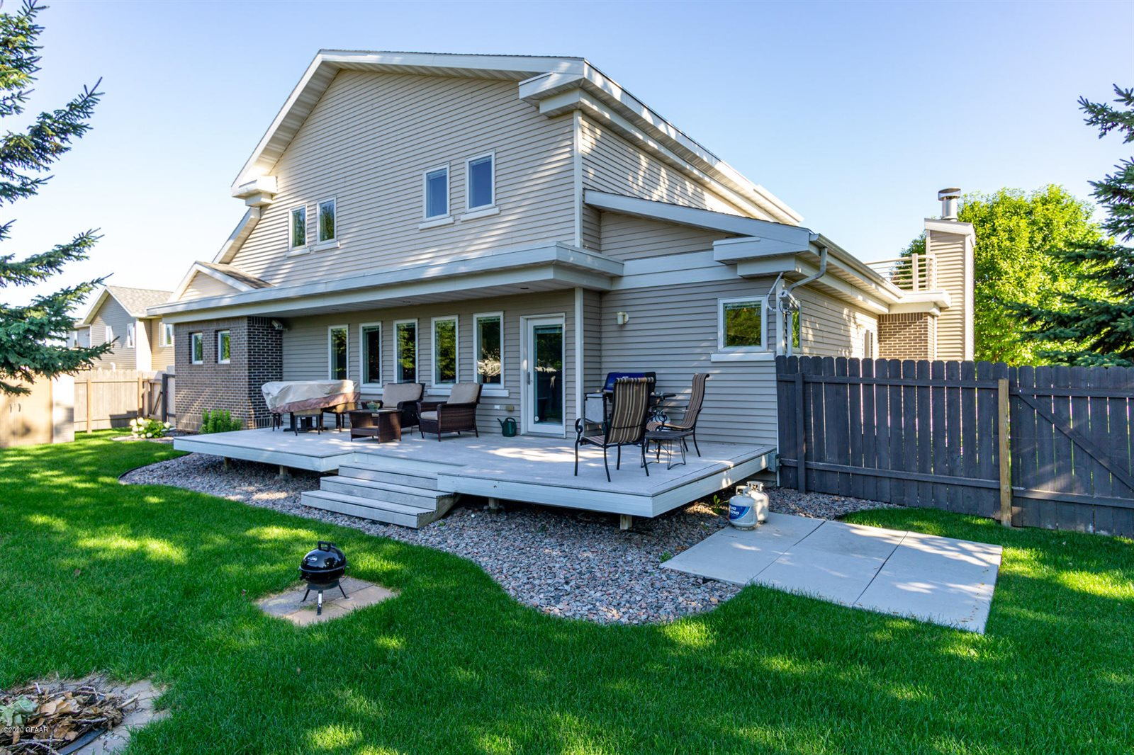 3597 Ivy Drive, Grand Forks, ND 58201