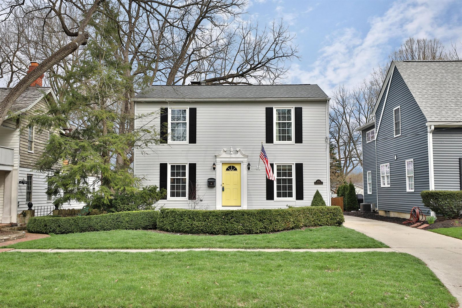 694 Hartford Street, Worthington, OH 43085