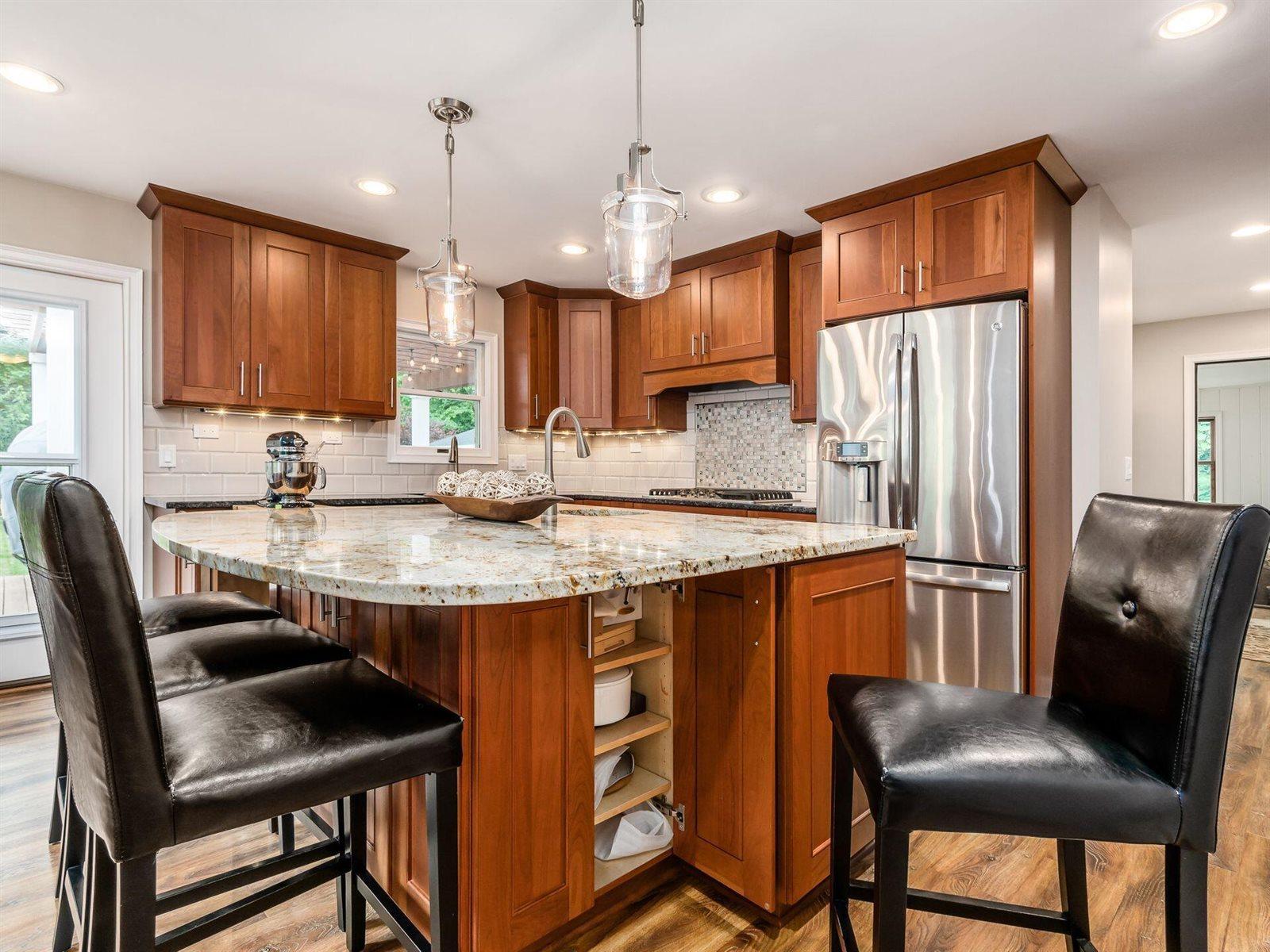 305 Bryant Avenue, Worthington, OH 43085