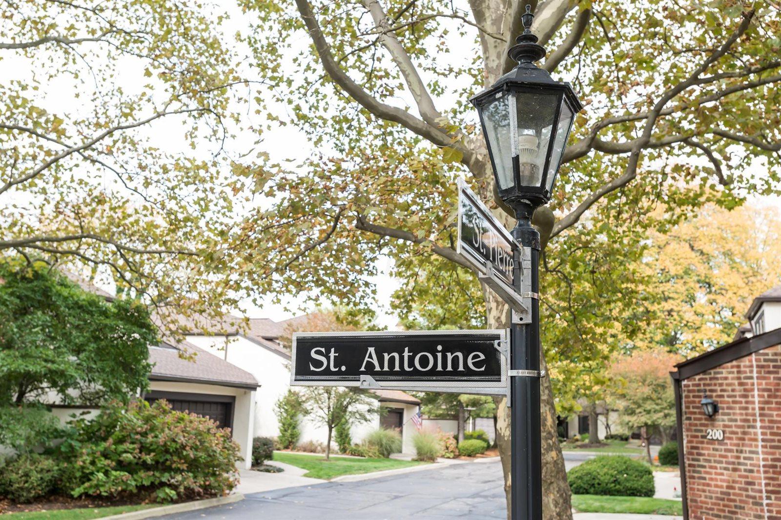 214 Saint Antoine Street, #25-B, Worthington, OH 43085