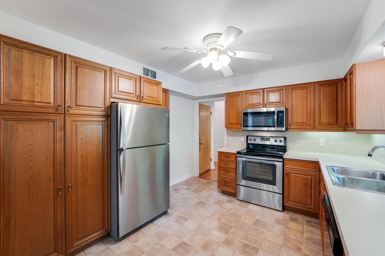 3961 Kioka Avenue, Upper Arlington, OH 43220