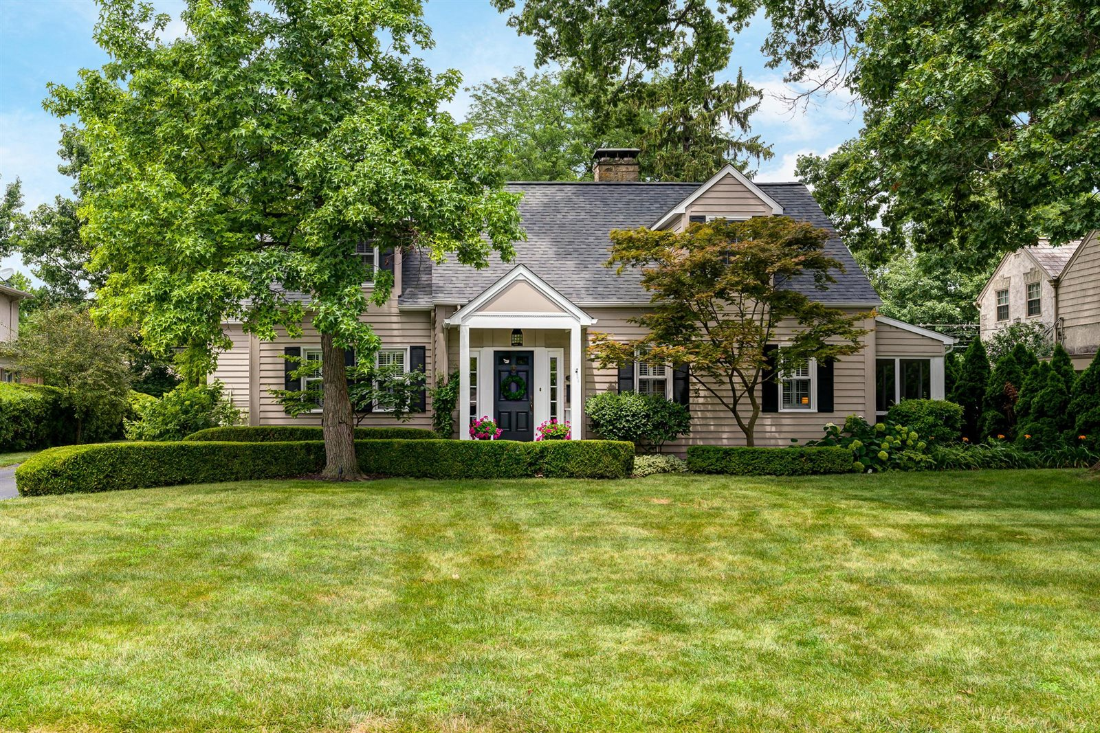 2404 Abington Road, Upper Arlington, OH 43221