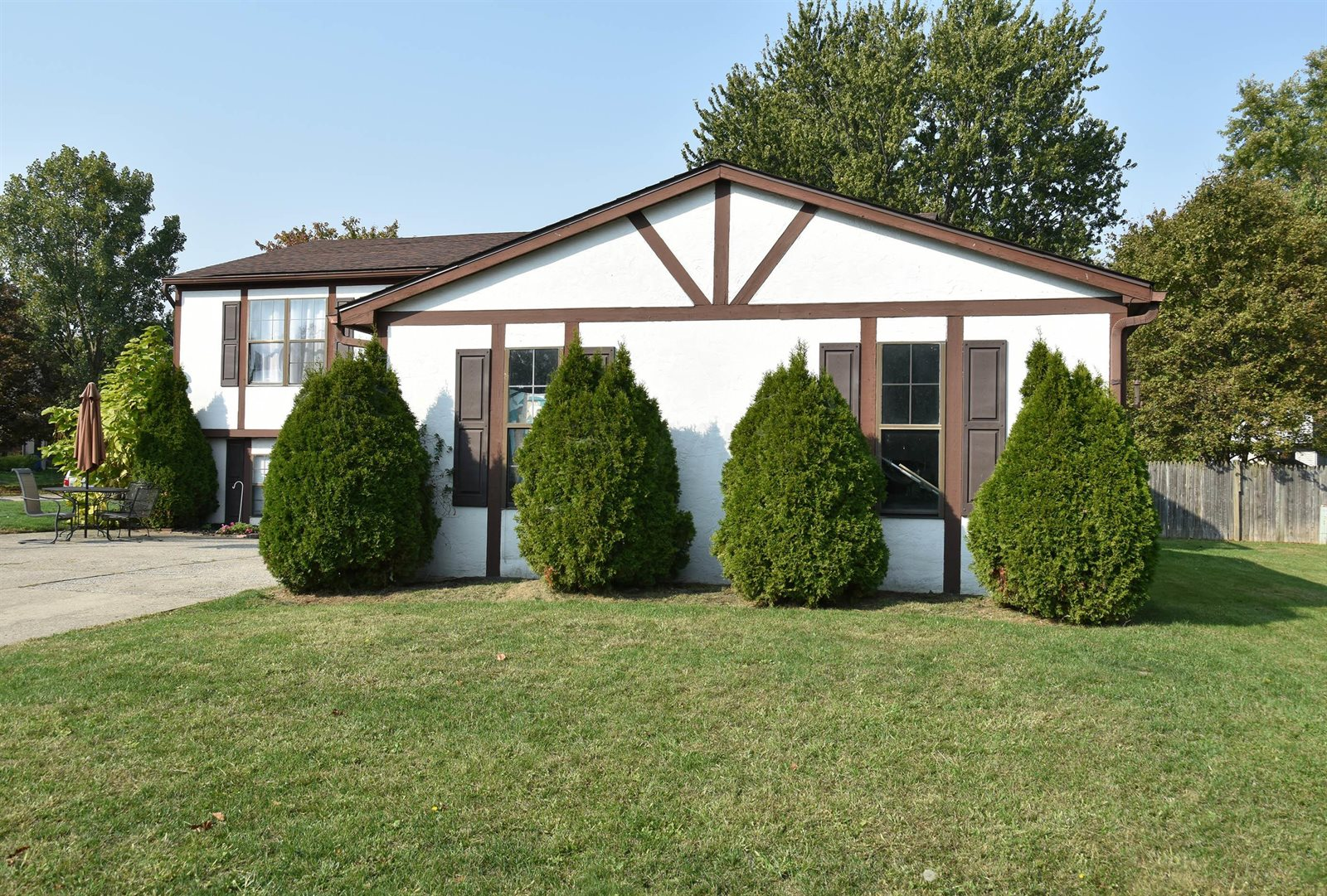 7565 Bella Drive, Worthington, OH 43085