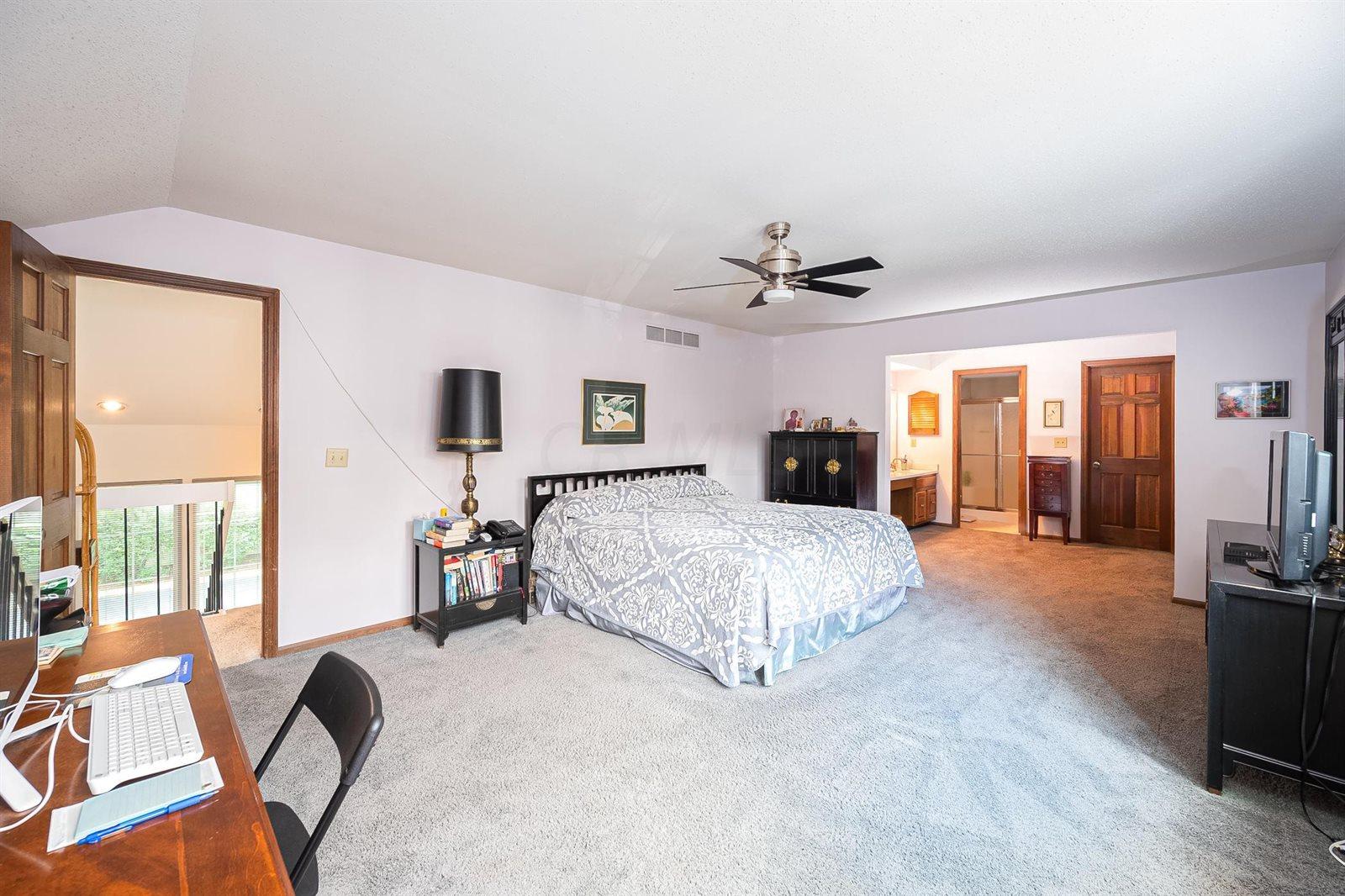 116 Saint Andre Street, #8B-D, Worthington, OH 43085