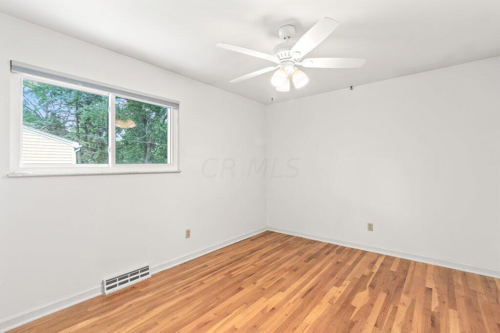 237 Caren Avenue, Worthington, OH 43085