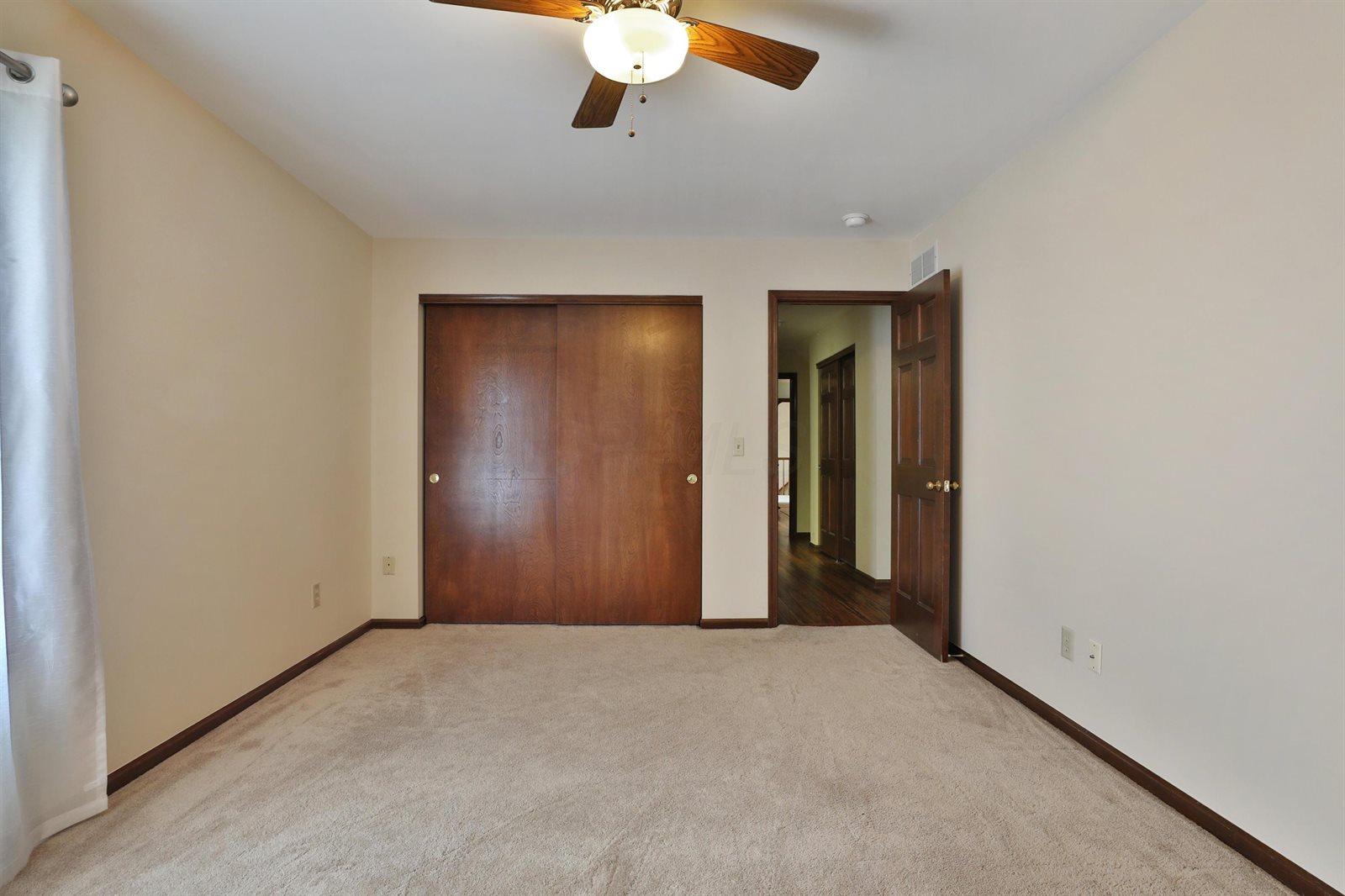 6916 Ravine Circle, Worthington, OH 43085