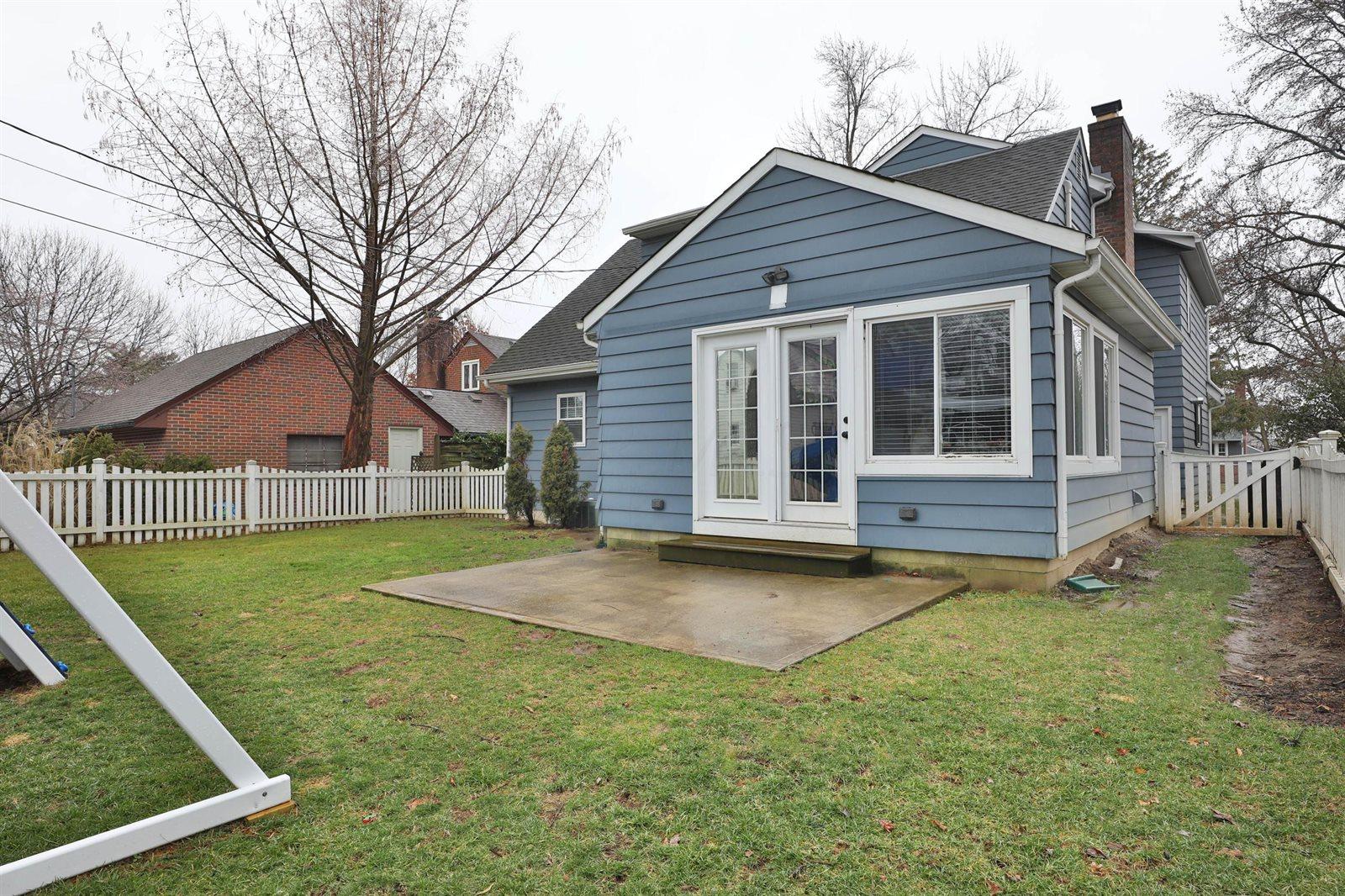 56 Howard Avenue, Worthington, OH 43085