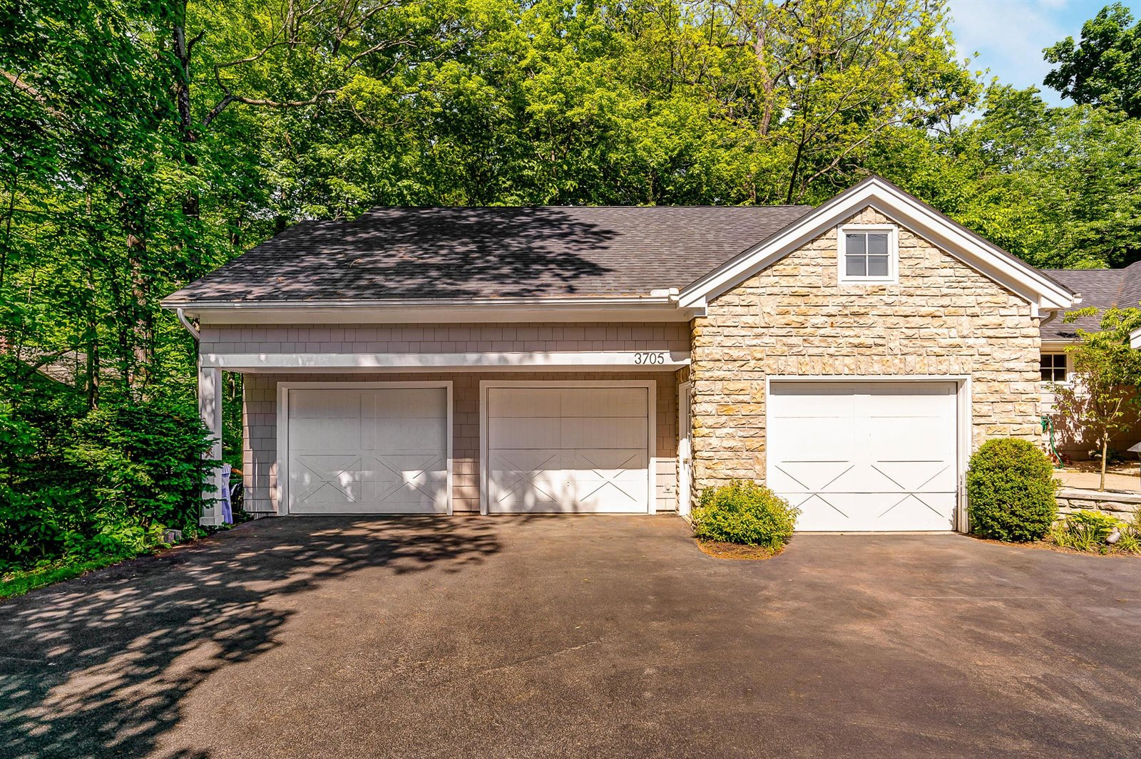 3705 Surrey Hill Place, Upper Arlington, OH 43220