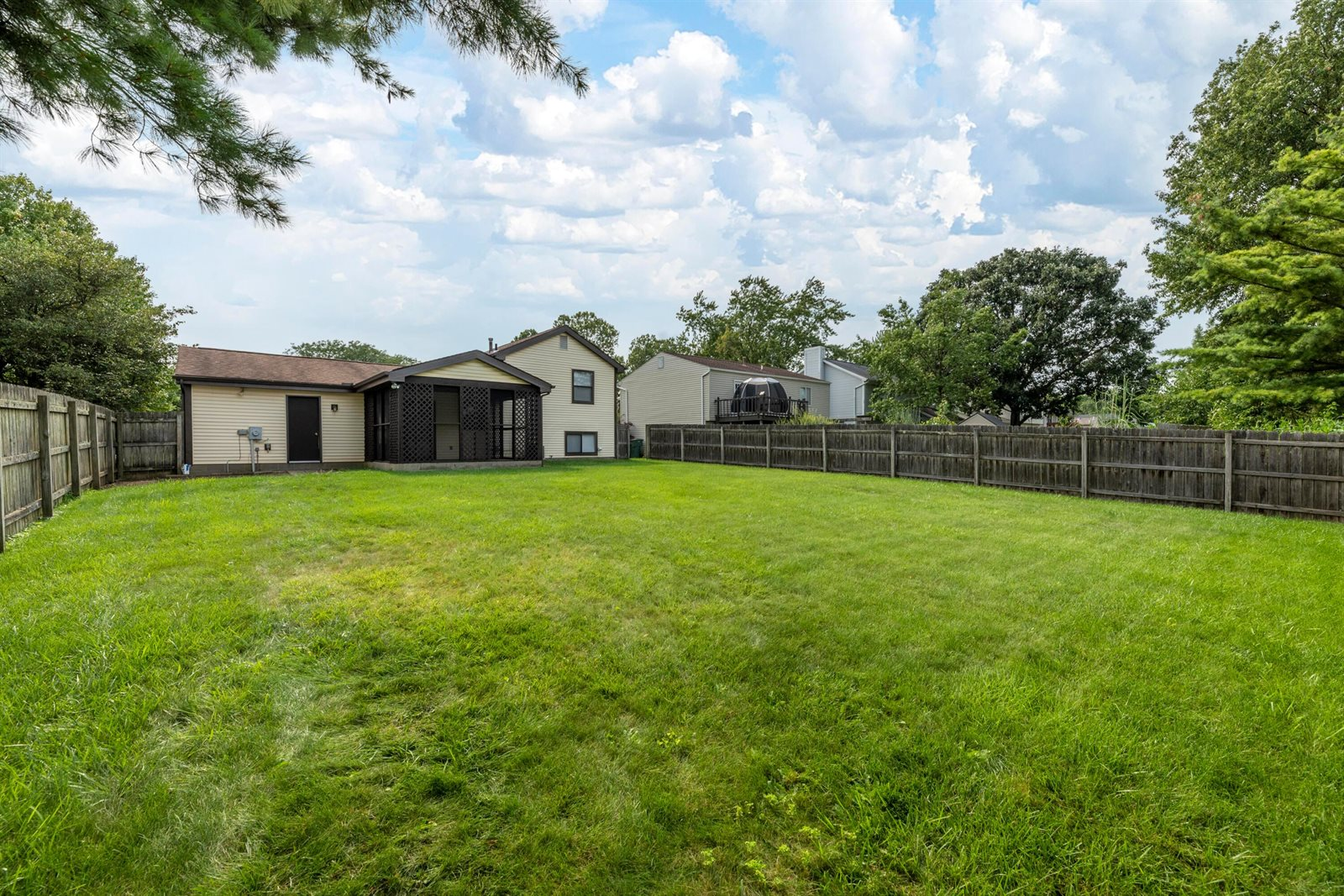 1042 Discovery Drive, Worthington, OH 43085
