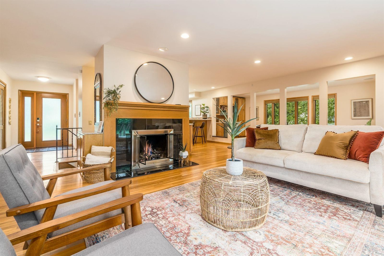 6215 Olentangy River Road, Worthington, OH 43085