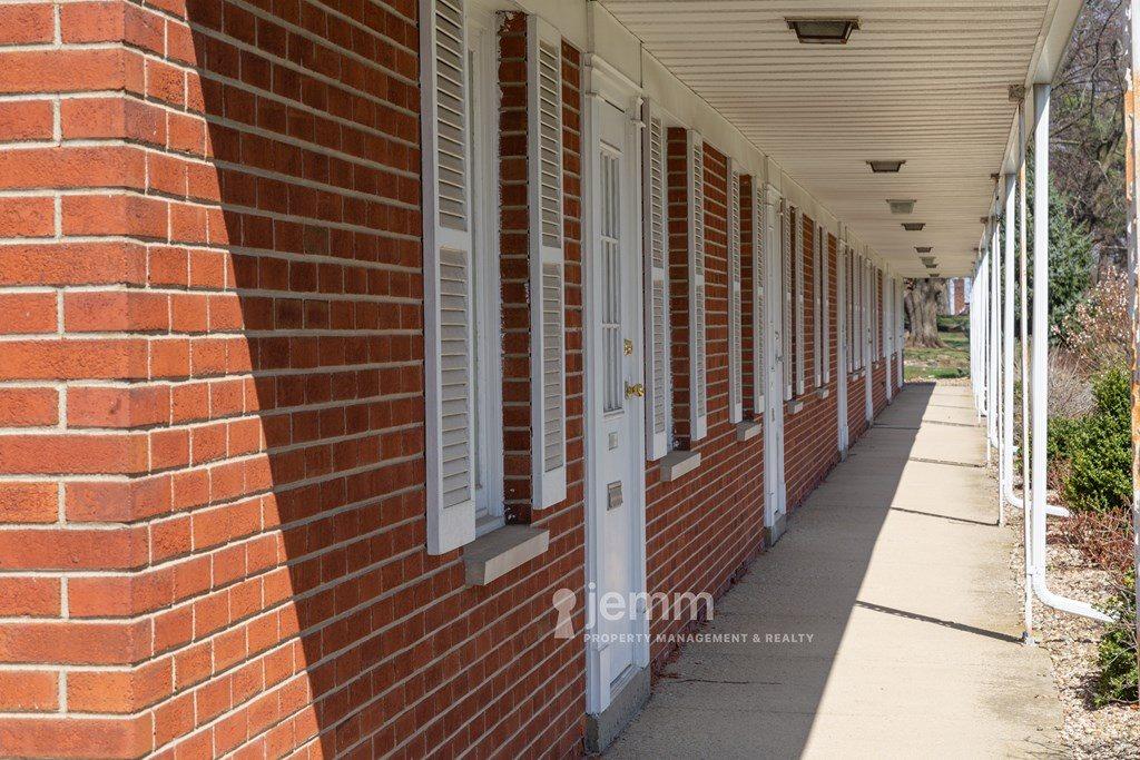 1060 Claremont Ave, Ashland, OH 44805