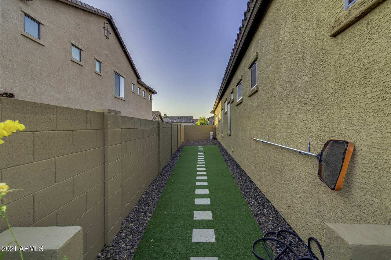 8455 East Lockwood Street, Mesa, AZ 85207