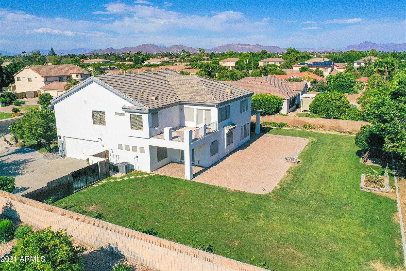3919 East Fox Circle, Mesa, AZ 85205