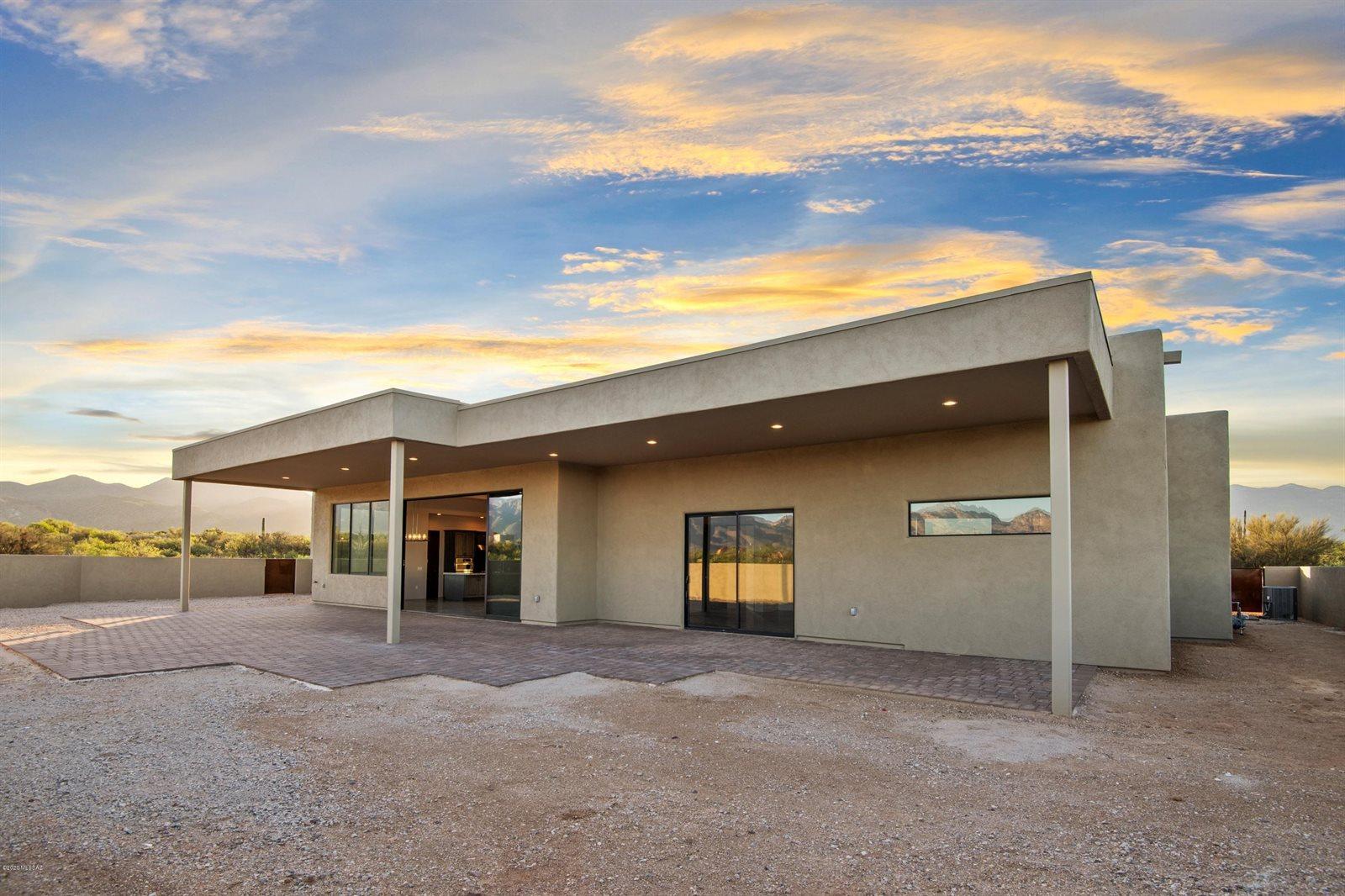 2920 North Megafauna Court, Tucson, AZ 85749