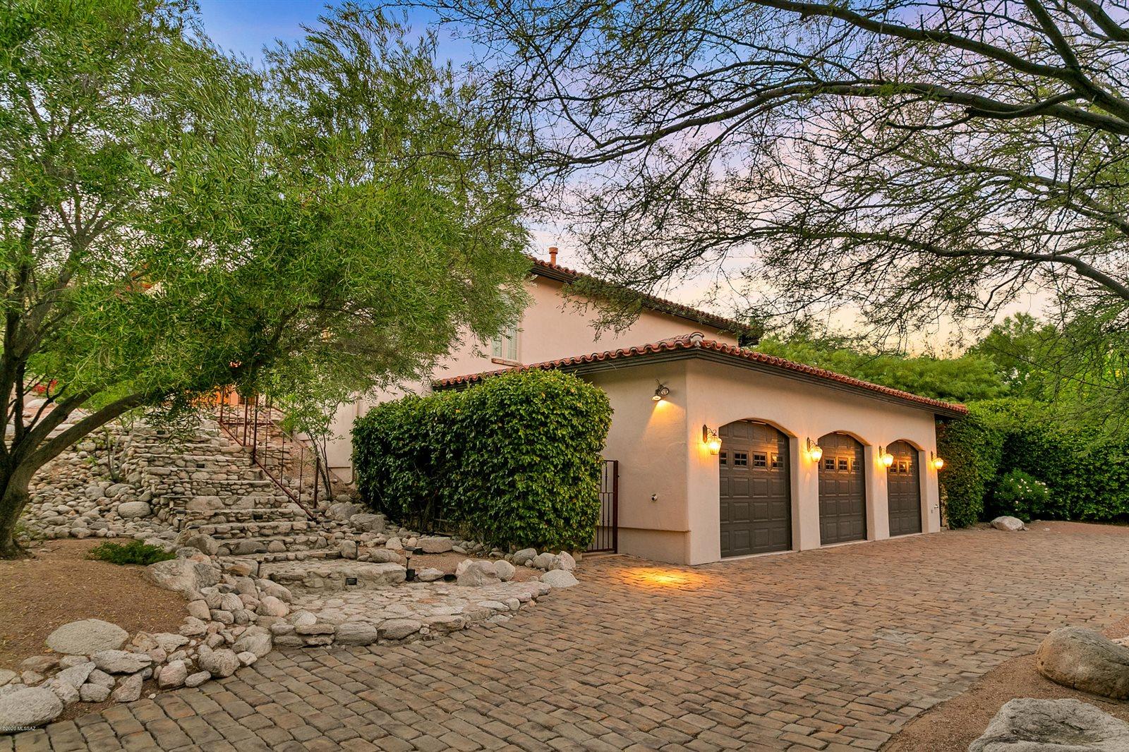 8445 East Hilldale Place, Tucson, AZ 85750