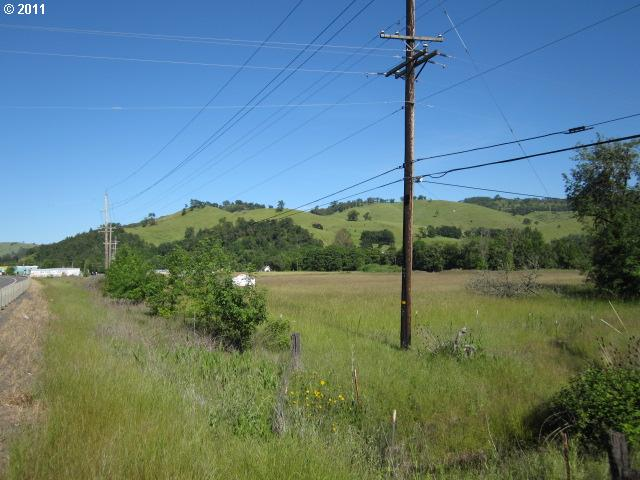 3655 NE Diamond Lake Blvd, Roseburg, OR 97470