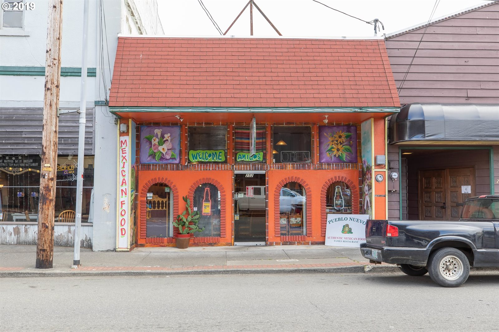 252 South Broadway, Coos Bay, OR 97420