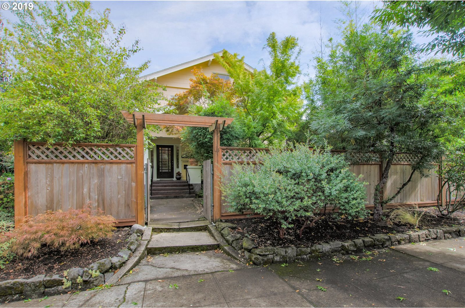 5522/5524 North Moore Ave, Portland, OR 97217
