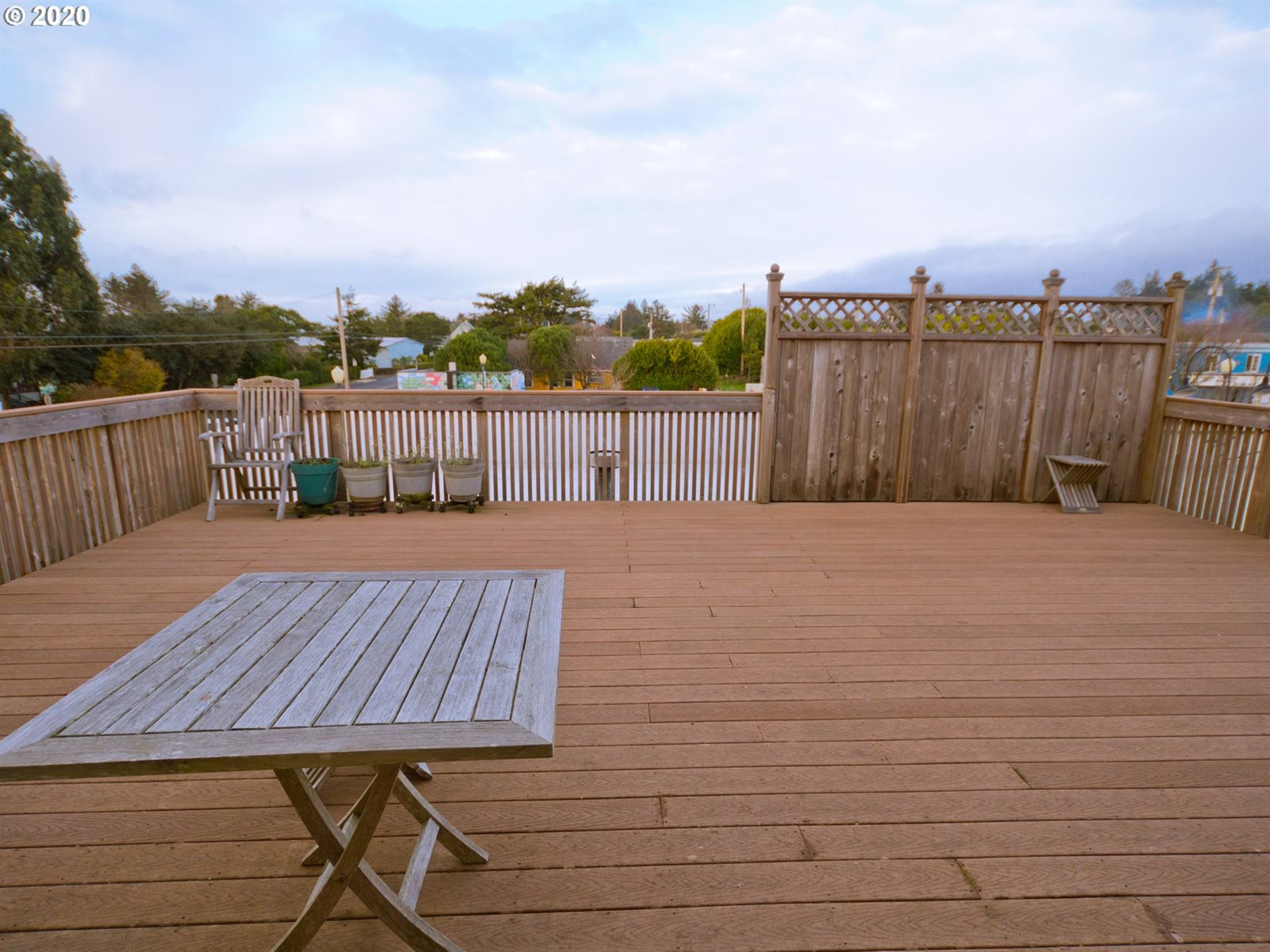 525/575 Newmark Ave, Coos Bay, OR 97420