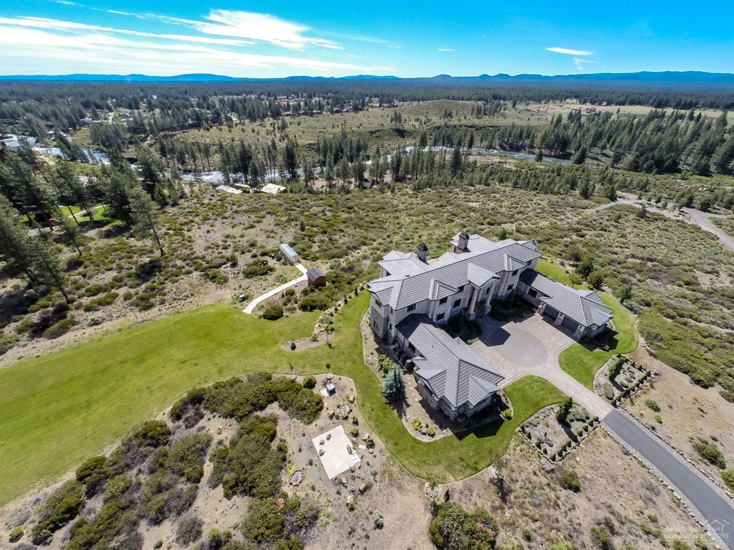 60990 Bachelor View Road, Bend, OR 97702