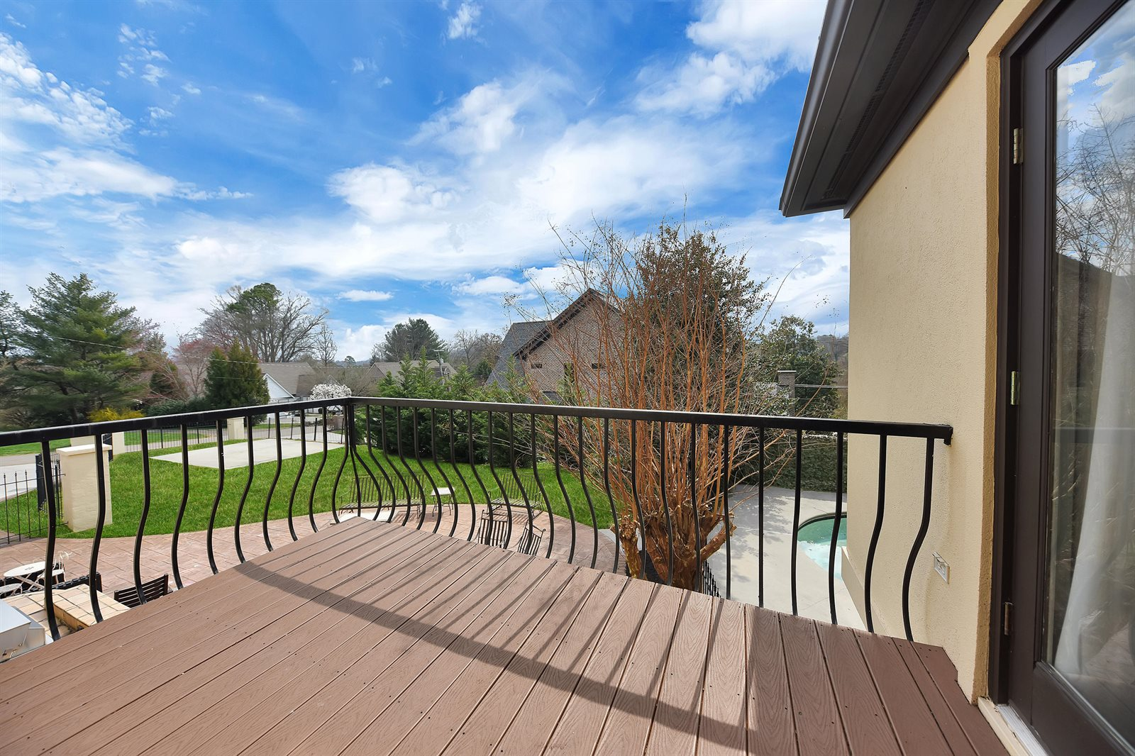 6800 Sherwood Drive, Knoxville, TN 37919