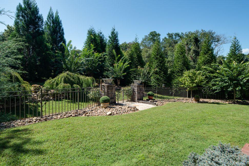 6936 Westland Drive, Knoxville, TN 37919