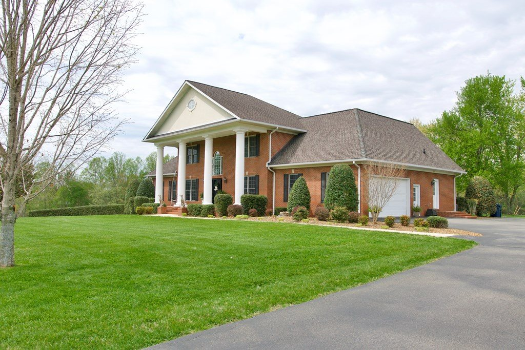 4715 Bob Gentry, Cookeville, TN 38501