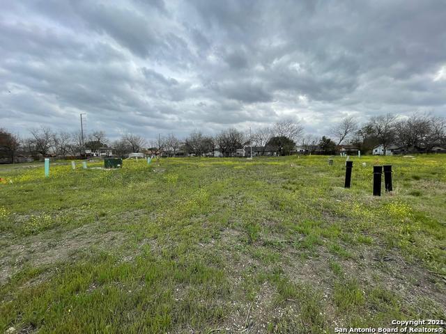 4802 Bluff St, San Antonio, TX 78228