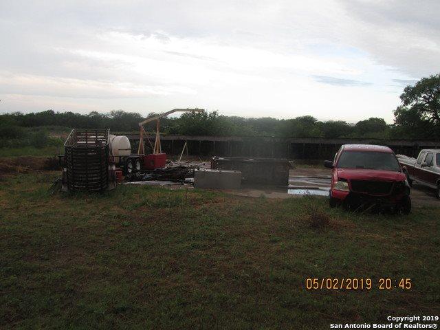 1046 East Chavaneaux Rd, San Antonio, TX 78221
