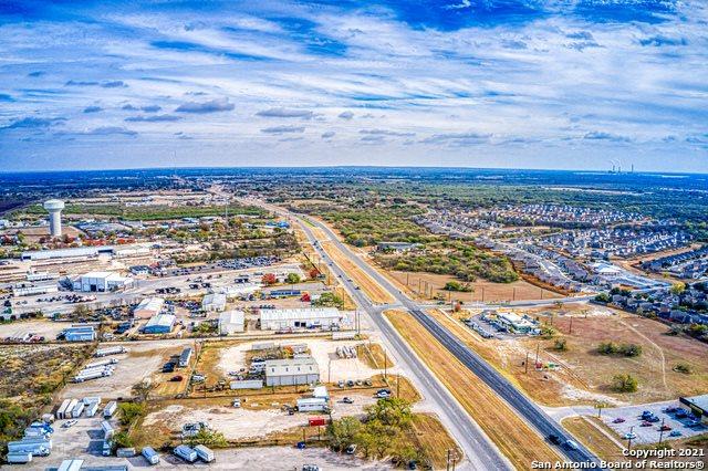 6023 US Highway 87 E, San Antonio, TX 78222