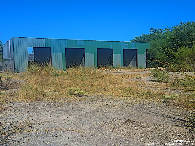 2325 East Chavaneaux Rd, San Antonio, TX 78214