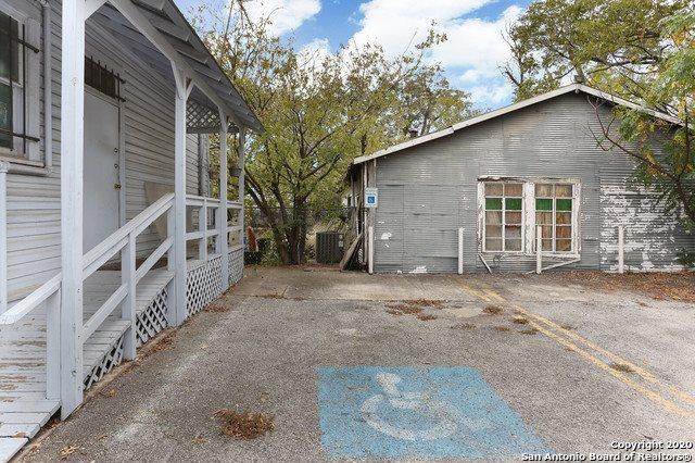 224 Casa Blanca St, San Antonio, TX 78215