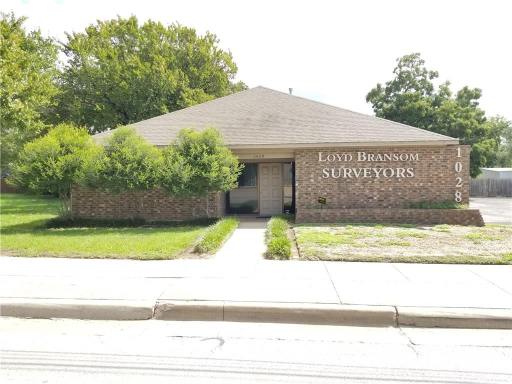 1028 North Sylvania Avenue, Fort Worth, TX 76111