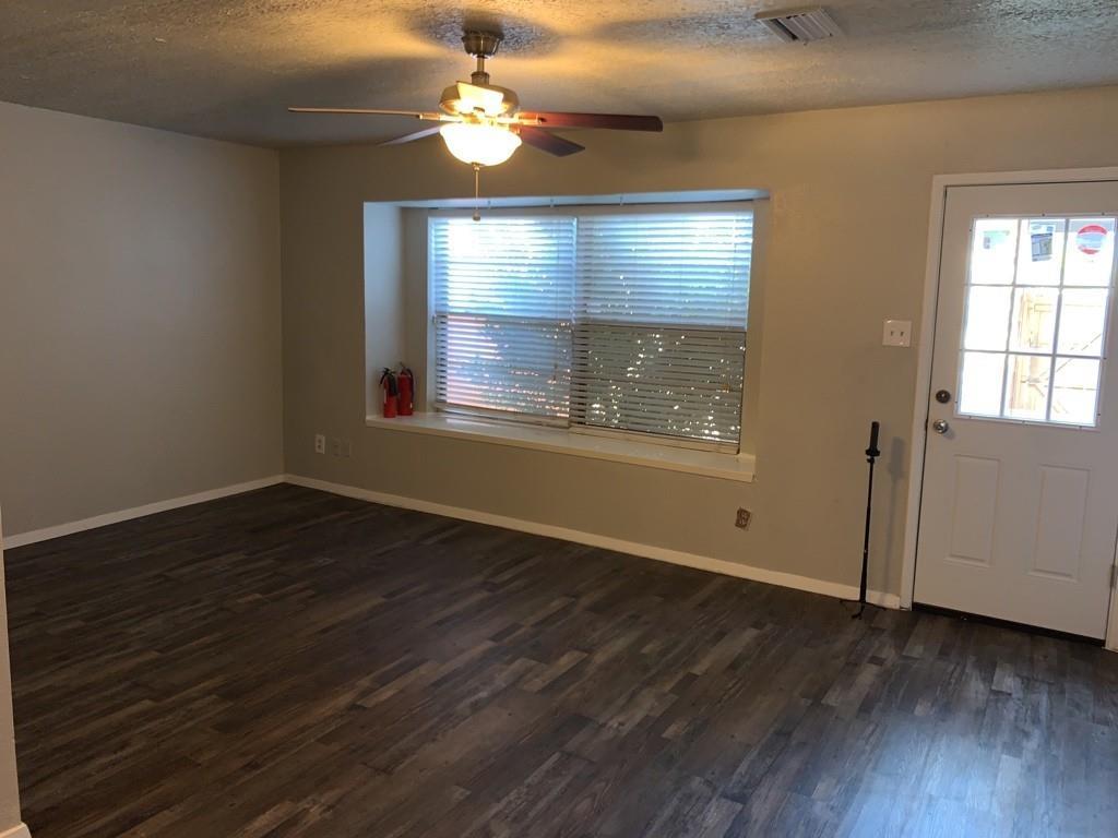27 East Creek Lane, #17, Grand Prairie, TX 75052