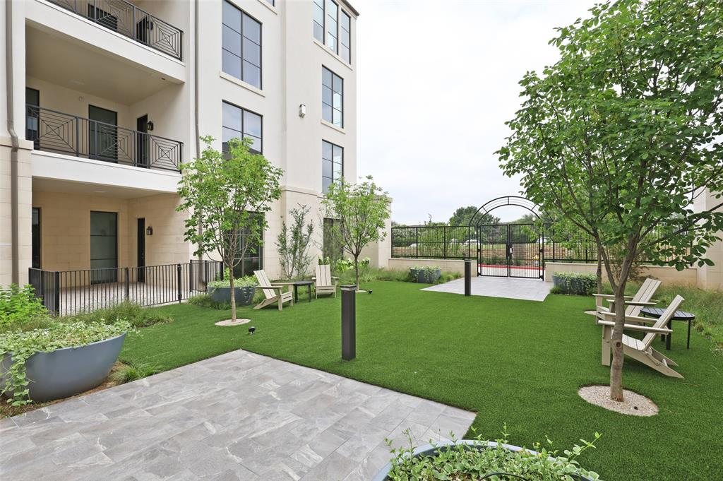 5270 Town and Country Boulevard, #111, Frisco, TX 75034