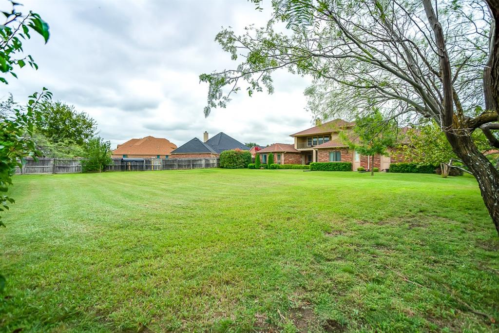 1019 Parview Circle, Grand Prairie, TX 75104