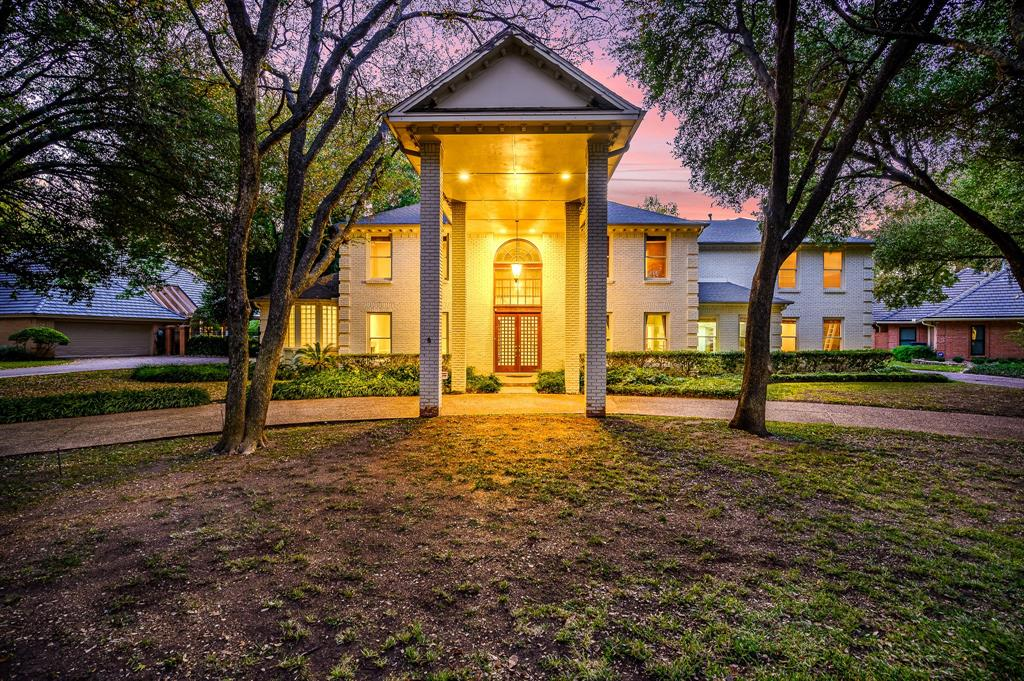4828 Overton Hollow Street, Fort Worth, TX 76109