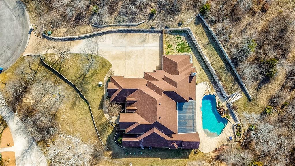 409 Oak Bluff Court, Fort Worth, TX 76108