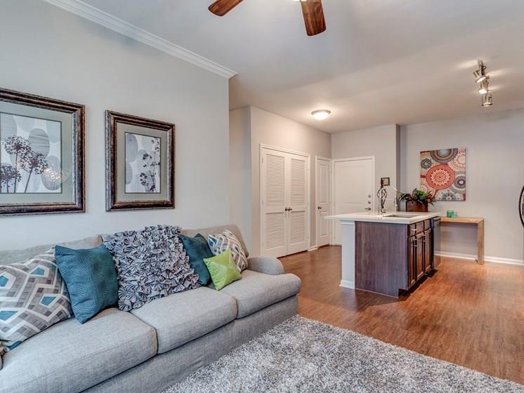 14807 Woodland Hills Drive, #1305, Humble, TX 77396