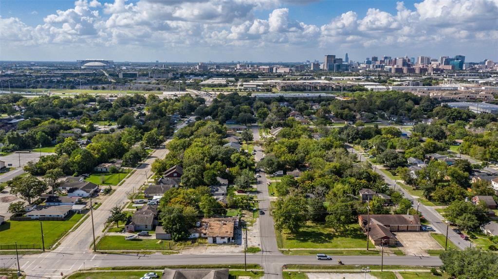 3570 Noah Street, Houston, TX 77021
