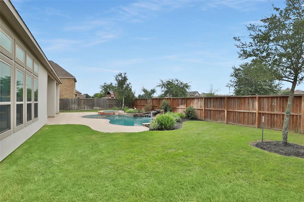 10226 Grape Creek Grove Lane, Cypress, TX 77433