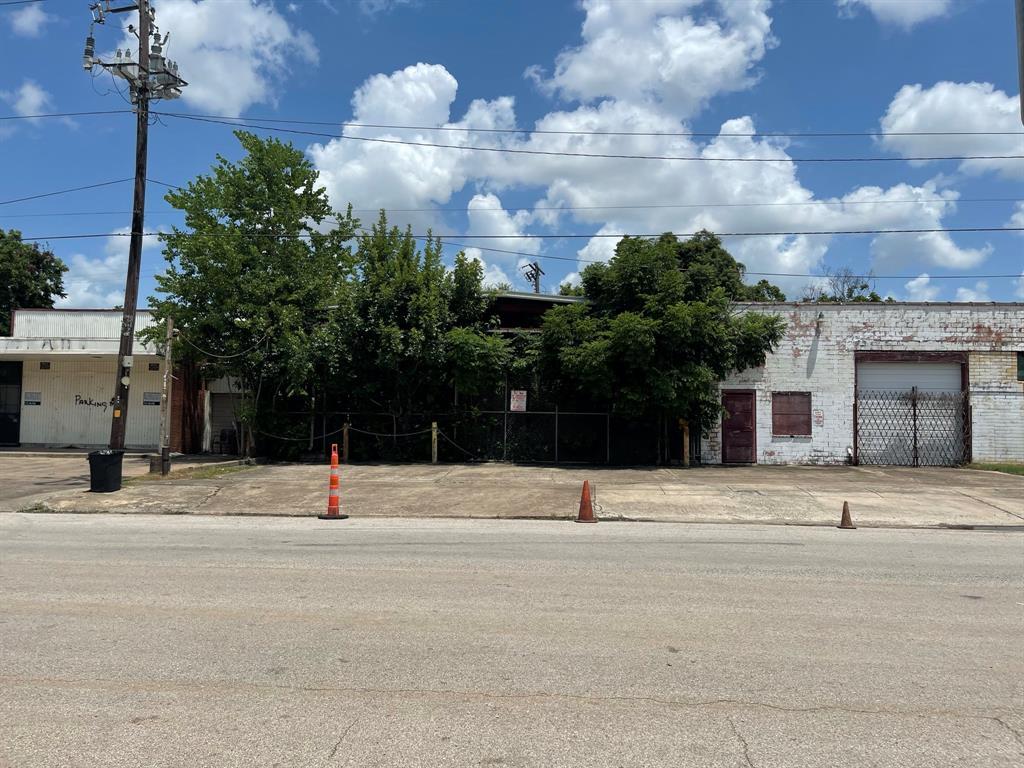3339 Dixie Drive, Houston, TX 77021