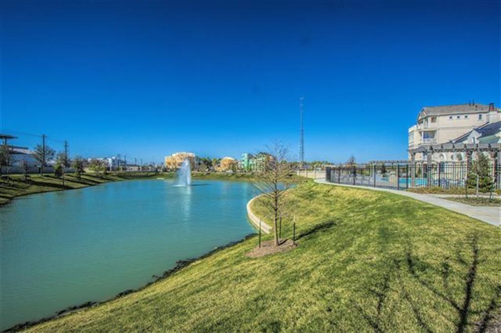725 Somerset Commons, Houston, TX 77055