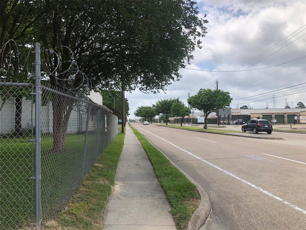 2214 West 34th Street, Houston, TX 77018