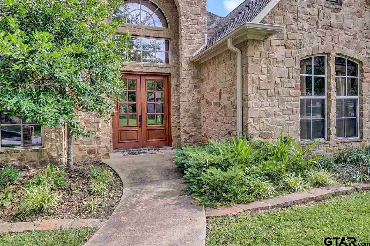 2110 Dueling Oaks, Tyler, TX 75703