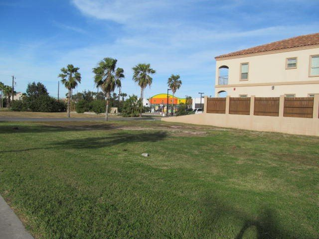 107 West Acapulco St, South Padre Island, TX 78597