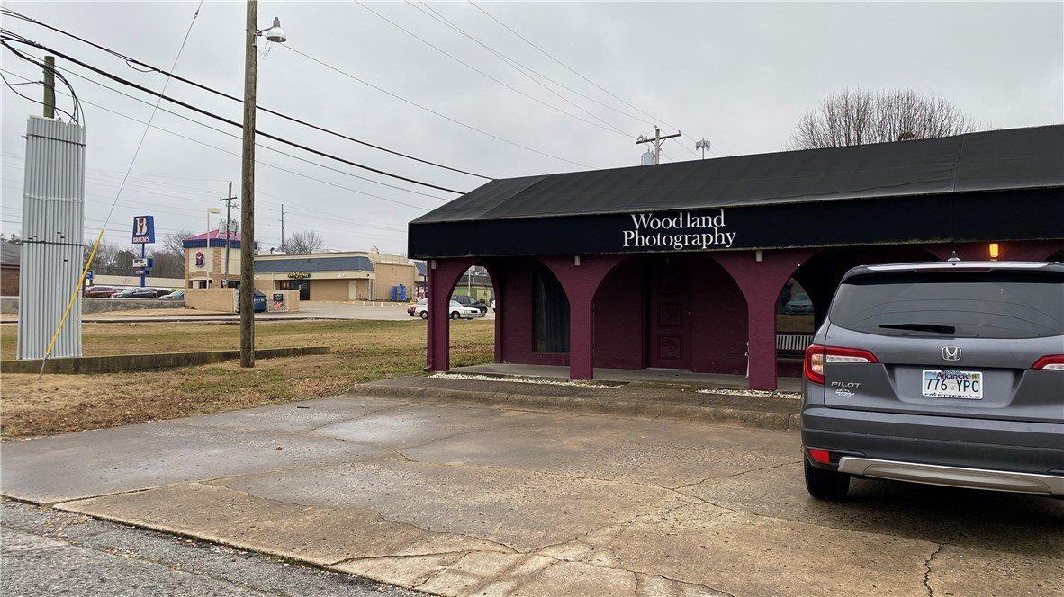 927 NW 12th Street, #3, Bentonville, AR 72712
