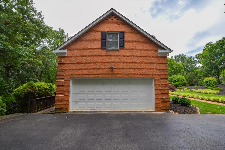 5343 Silver Fox Rd, Roanoke, VA 24018