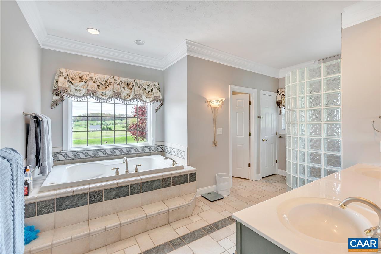 3186 Morris Mill Rd, Staunton, VA 24401