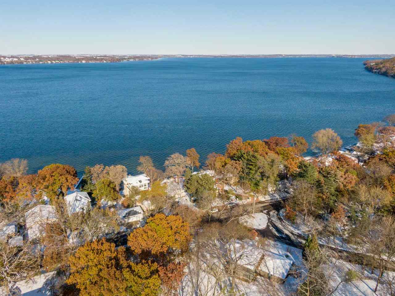 5034 Lake Mendota Dr, Madison, WI 53705